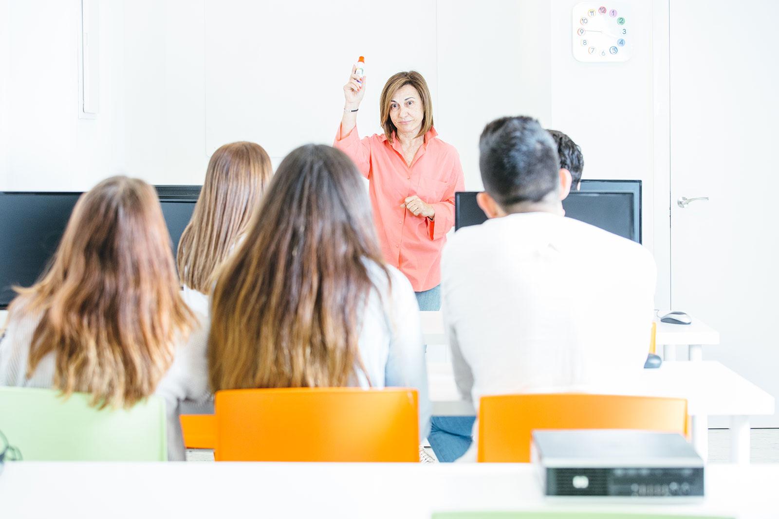 teacher-students-classroom
